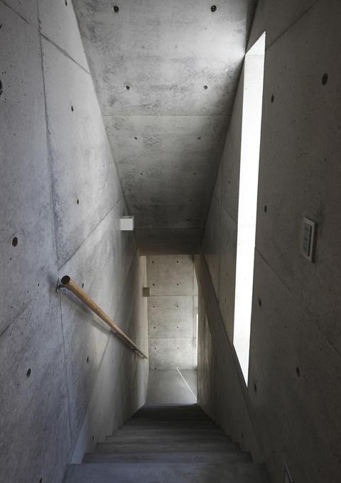 303階段