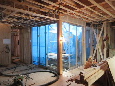 家事動線がコンパクトな「白のコートハウス」‐3‐徹底的に静かを目指す
