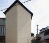 中庭のある無垢な珪藻土の家
